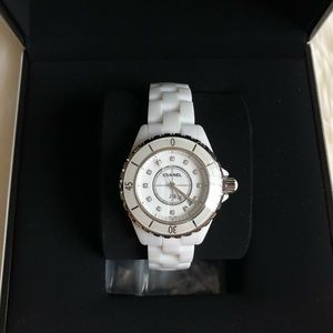 CHANEL J12 white ceramic 33mm